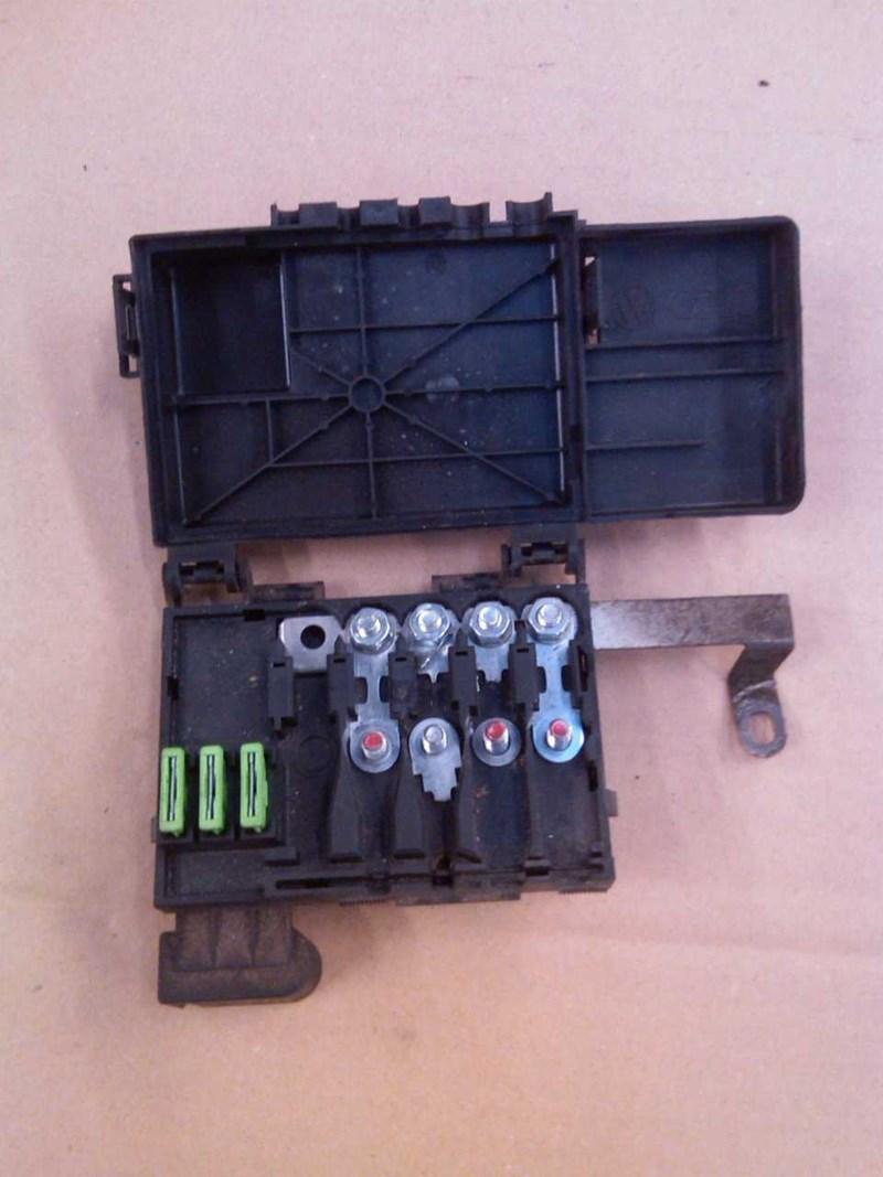 1J0937549 Fuse box for AUDI A3 8L 97-02 | AEH | € 80,00 | 01406940 PÅ  BATTERI