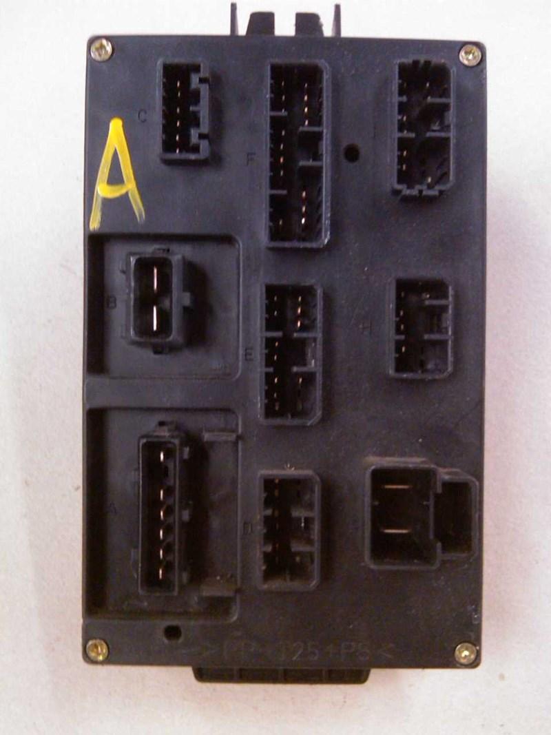Pp T25 P5 Fuse Box For Alfa 166 98 03 Ar34103 10667 00106940 1999 Romeo